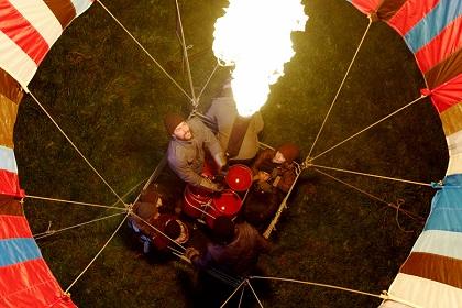 気球で東ドイツ脱出&亡命を試みた家族の実話 映画『バルーン 奇蹟の脱出飛行』 プレスシートをプレゼント!
