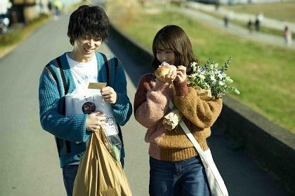 幸せで切ない20代の恋愛にサブカルネタも!映画『花束みたいな恋をした』オリジナル「はな恋」ステッカーをプレゼント